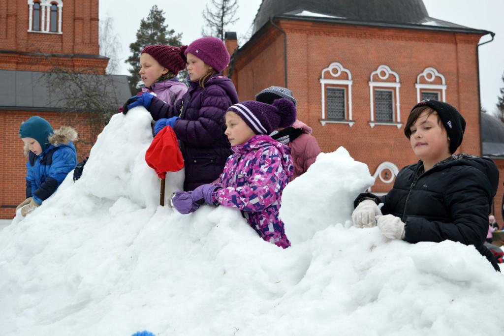 Взятие снежного городка. 6 марта 2016 года